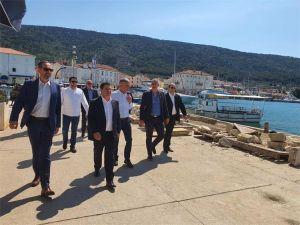Ministar Butković obišao radove na 'Projektu rekonstrukcije i dogradnje zapadnog dijela luke Cres'