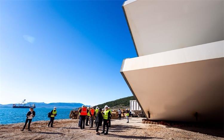 Na Pelješkom mostu u tijeku je okrupnjavanje čelične konstrukcije i betoniranje središnjeg pilona