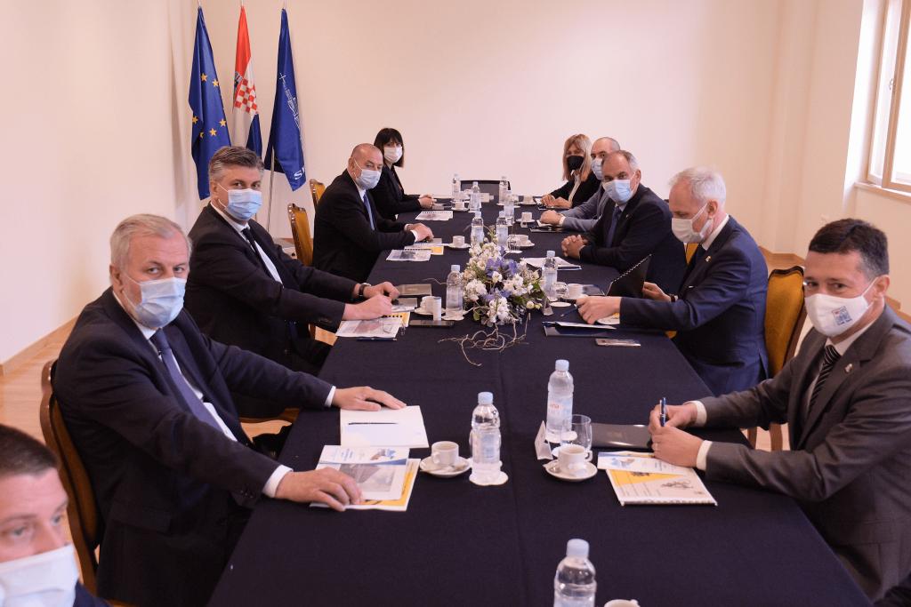 Potpisani ugovori vrijedni više od 156 milijuna kuna za unaprjeđenje gradskog prometa u Splitu