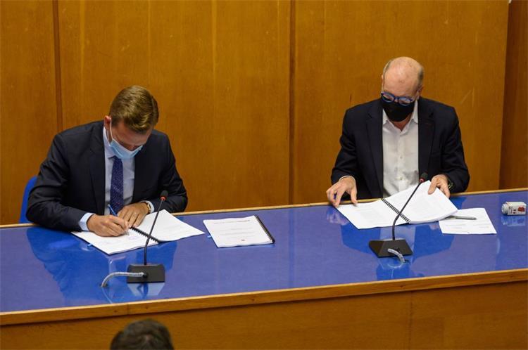 Državni tajnik Bilaver u Zadru potpisao ugovor o nabavi autobusa vrijedan gotovo 50 milijuna kuna