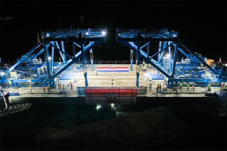 Svečano obilježeno spajanje Pelješkog mosta