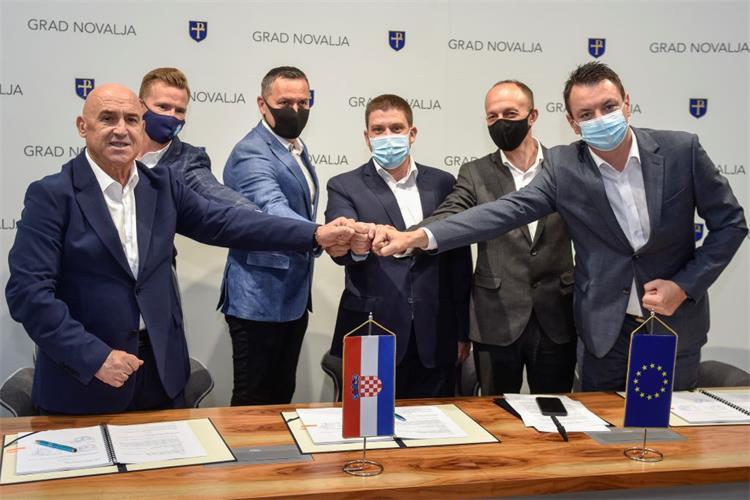Potpisivanje ugovora za projekt rekonstrukcije Primorske ulice u Novalji